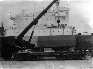 Entladung und Vormontage im Rostocker Hafen